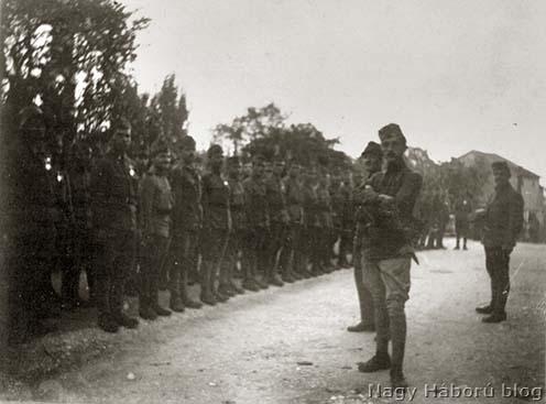 Kókay László és rohamistái 1918 őszén még az állásba indulás előtt