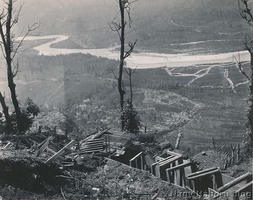 Kilátás a Tolemein fölötti hegyekben lévő osztrák-magyar állásokból az Isonzóra 1916. Májusában
