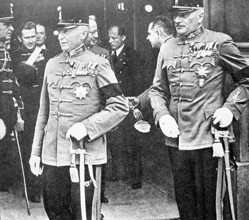 Werth Henrik és Bartha Károly Teleki Pál gyászszertartásán