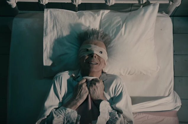 david-bowie-lazarus-vid-bed-2016-billboard-650.jpg