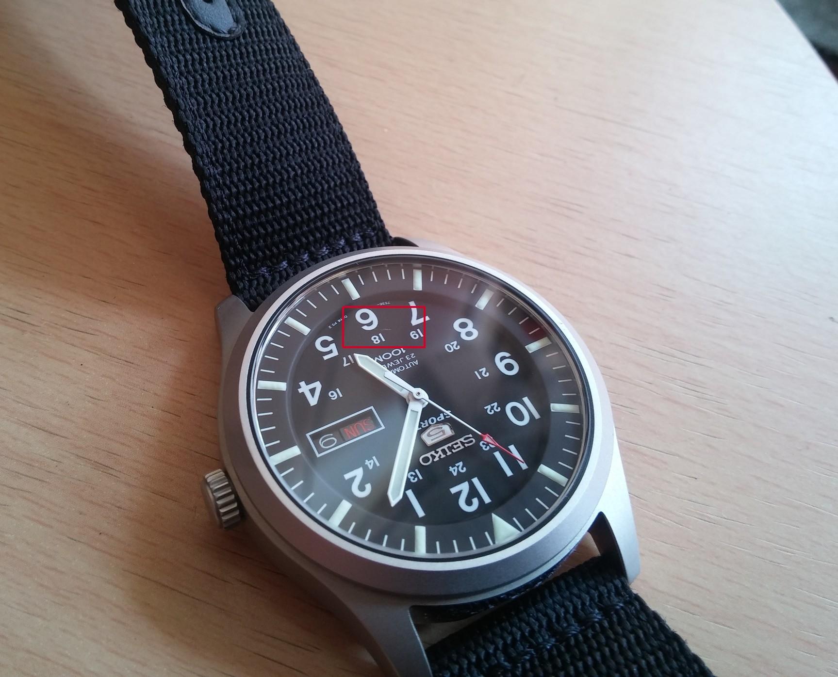 Csak egy kis karc, új óránál belefér...???