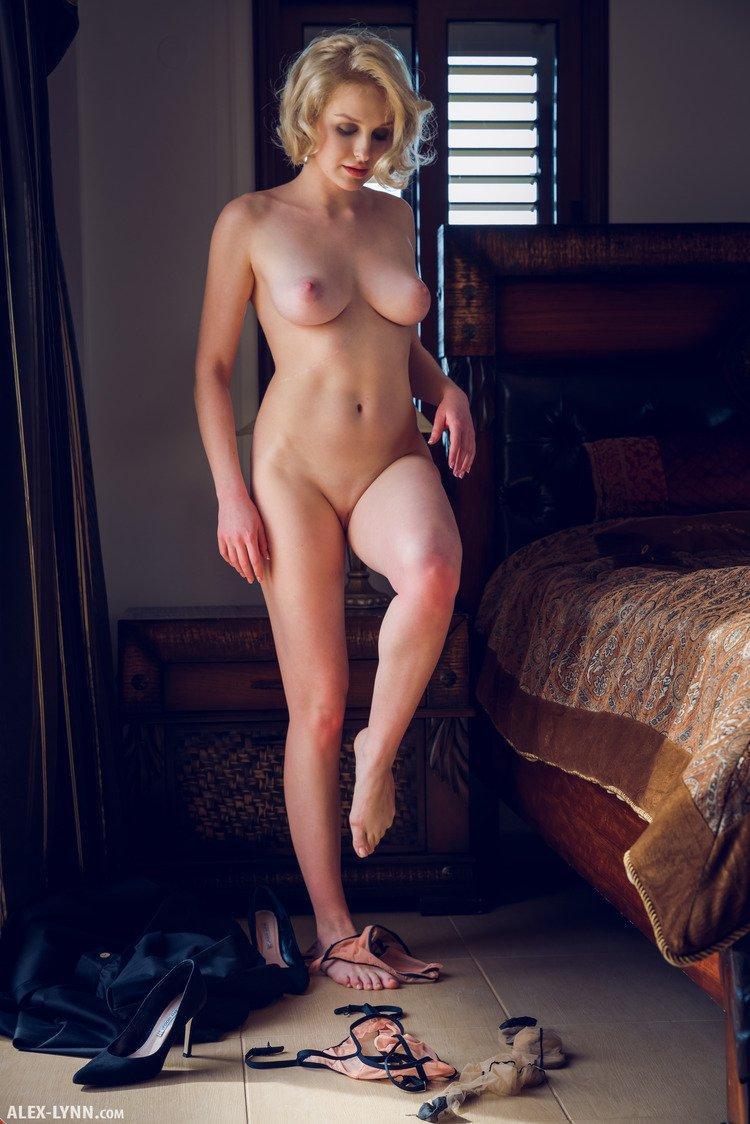 kery-stockings-alex-lynn-13.jpg