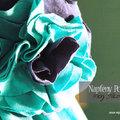 Tizenötödik nap: Rózsakitűző pólóanyagból