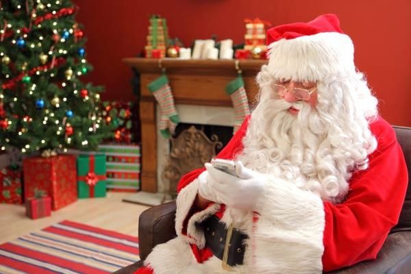 father-christmas-smartphone.jpg