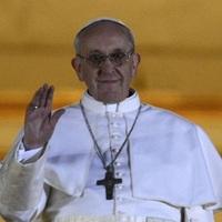 Napi biznisztipp: add ki elsőként a pápa életrajzi könyvét!