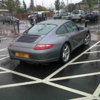 A nap biznisze: keress a mozgássérült parkolót jogtalanul használón!