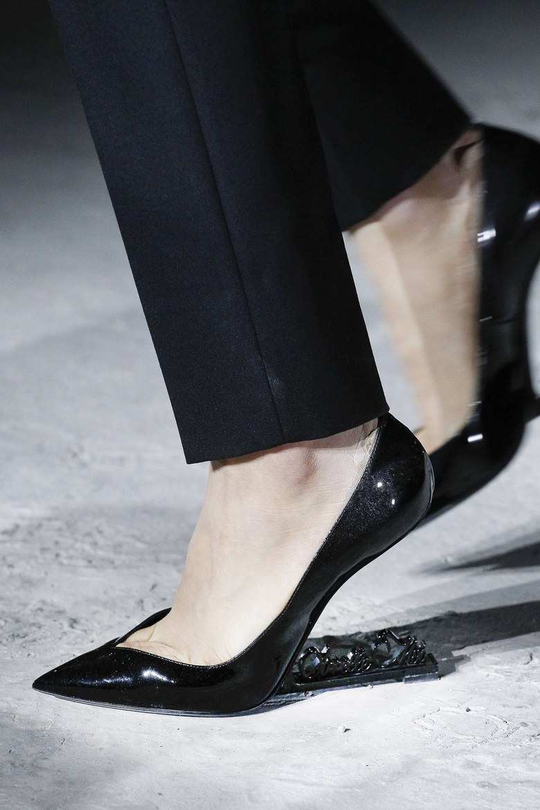 01-saint-laurent-no-heel-shoe.jpg