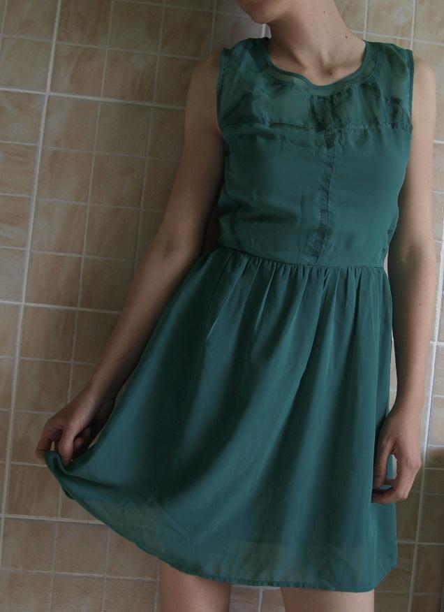 Lágy esésű ruha
