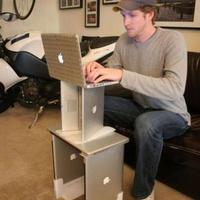 Egy gazdag Apple-fan nem szarozik..