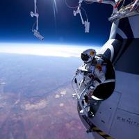 Redbull Stratos: A 39 kilométeres ugrás. [video]