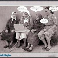 Öregek és a laptop.