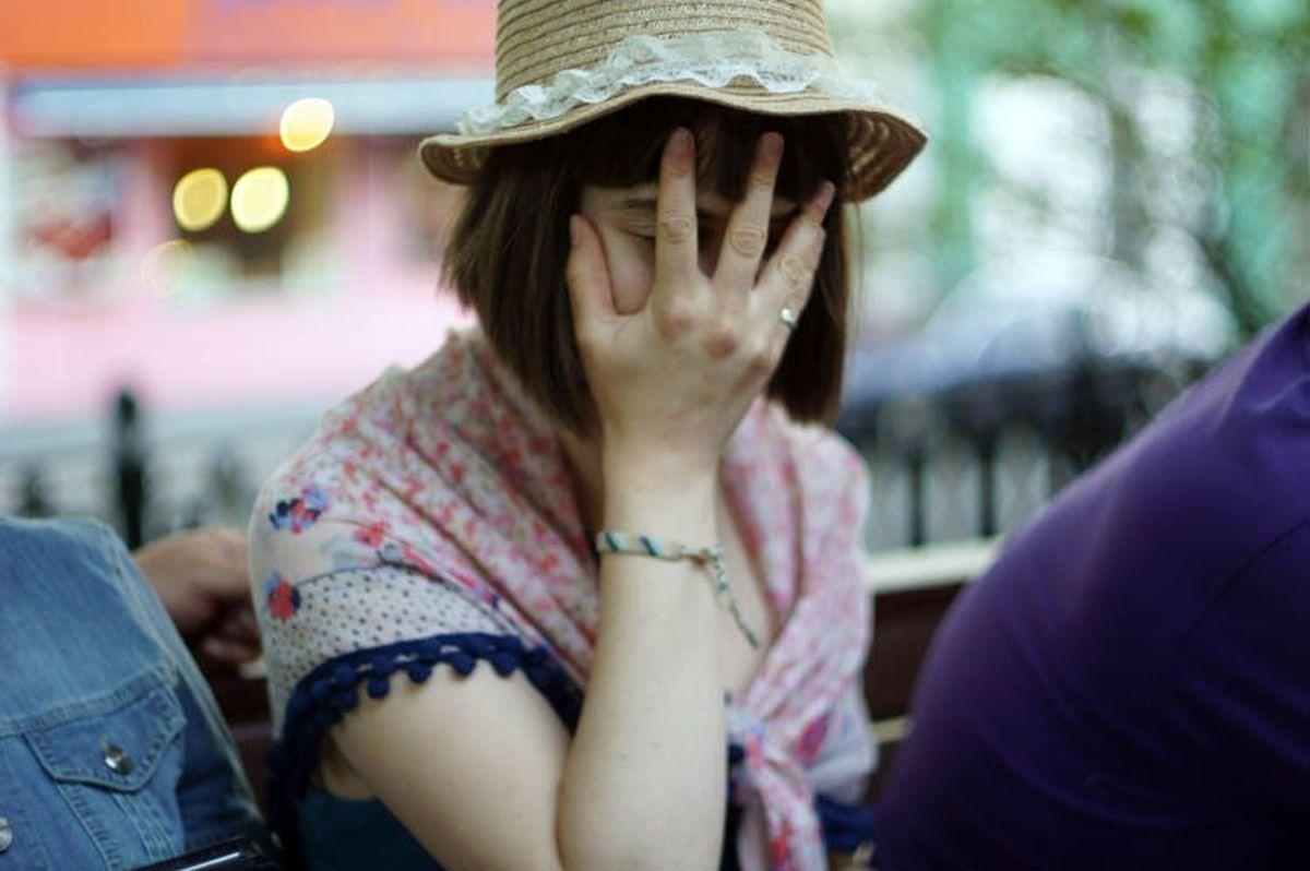 facepalm_girl.jpg