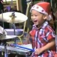 Dobsuli - Howard Wong 3 évesen ledobolja a fejed!