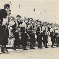 Line-up dance