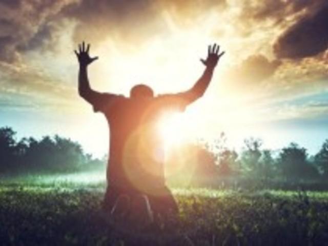 Dicsérd Istent, bármi is történjen - Napi remény
