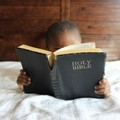 Erős meggyőződések kifejlesztéséhez: ismerd meg a Bibliát!