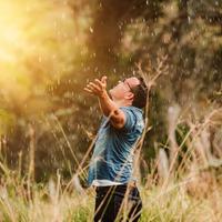 Képes vagy bárhol és mindenhol dicsérni Istent?