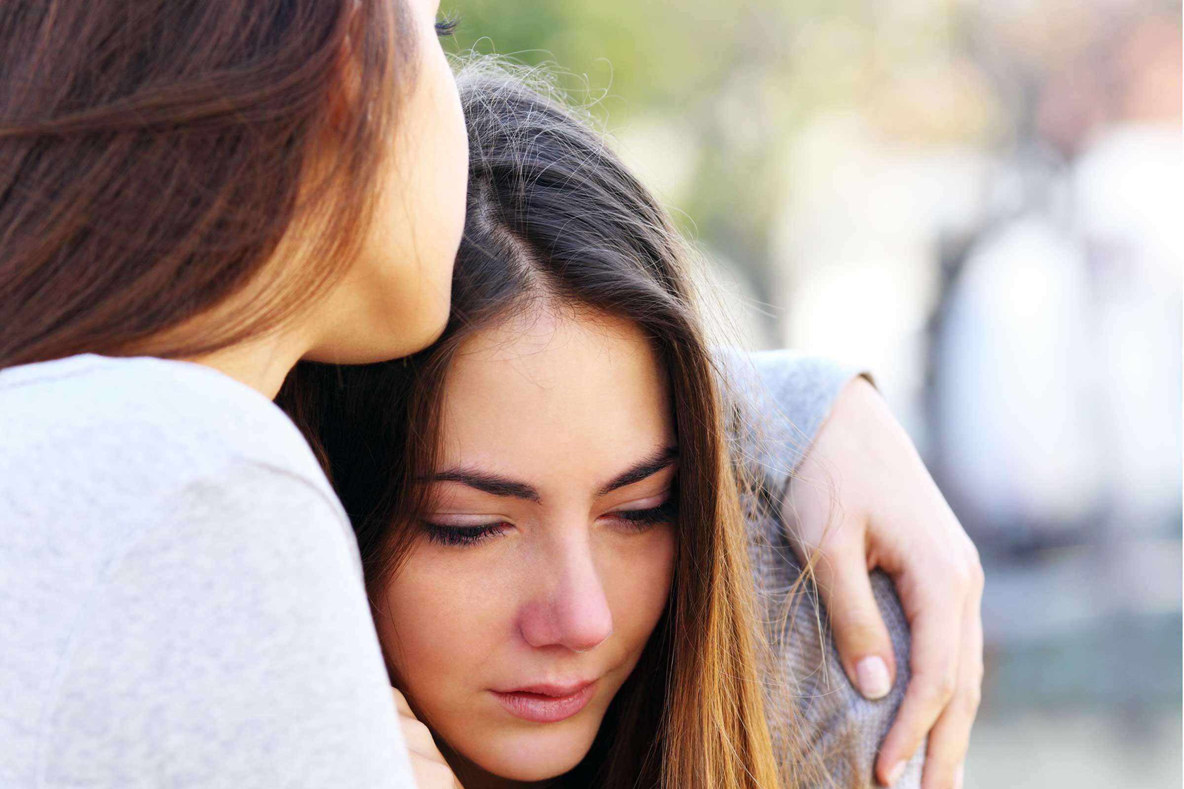 02_ways_help_someone_depression_according_psychologists_dont_know_antonioguillem.jpg