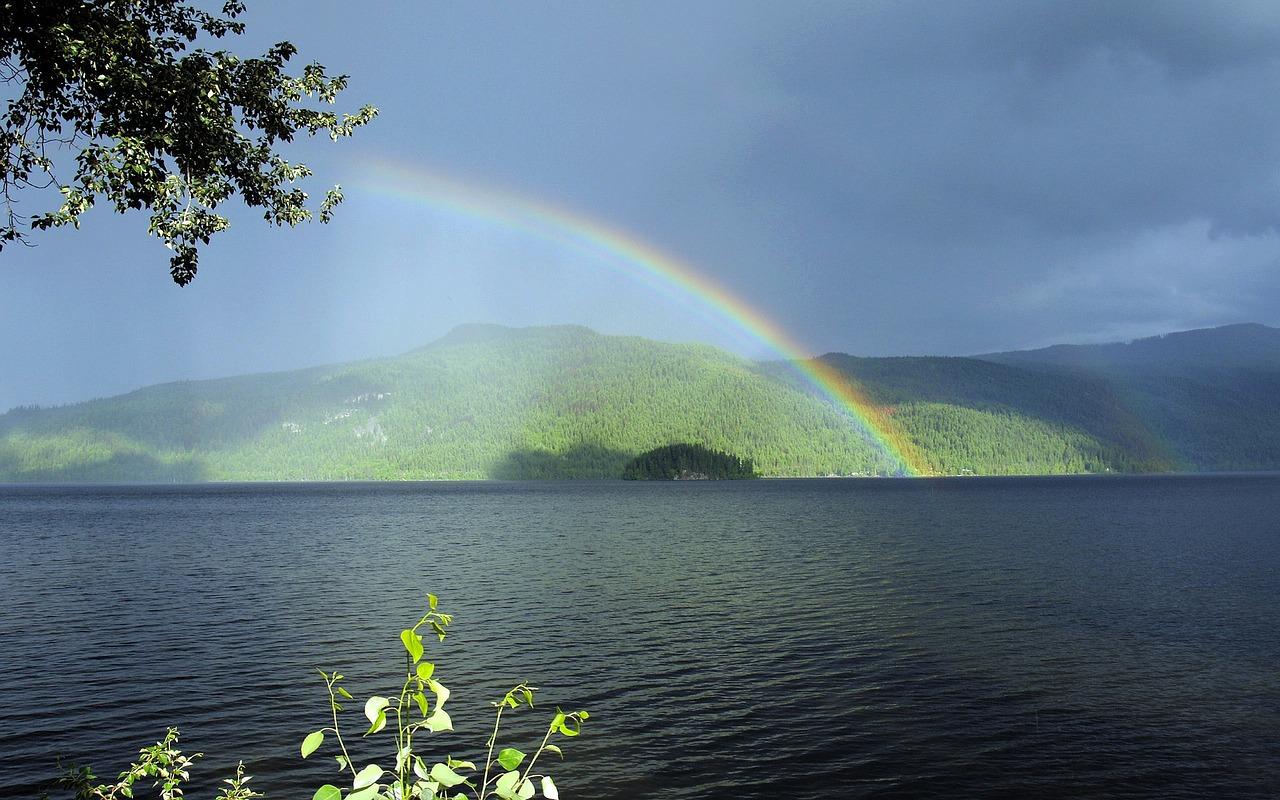 canim-lake-50095_1280.jpg