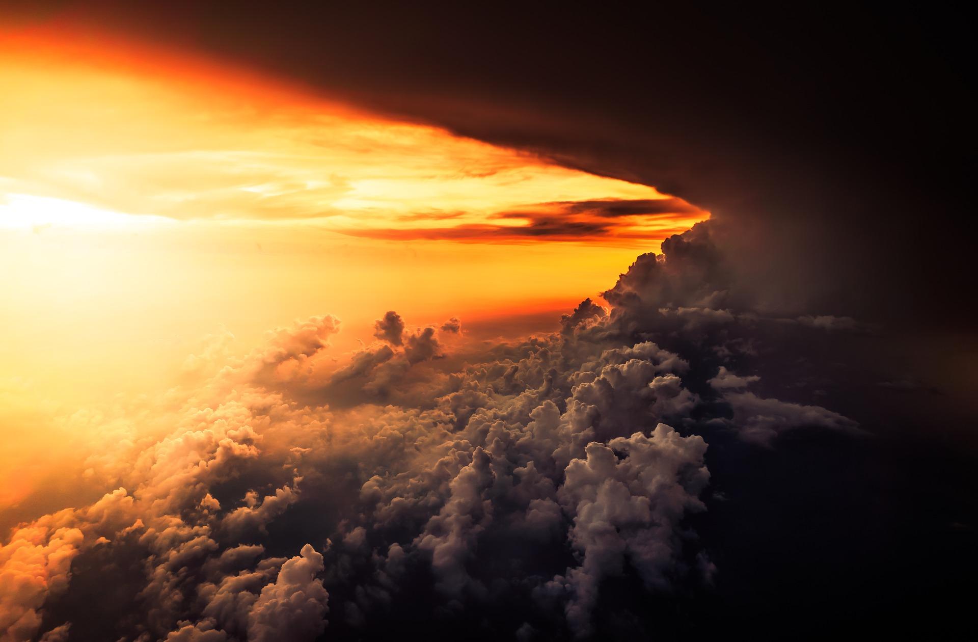 cloud-1867317_1920.jpg