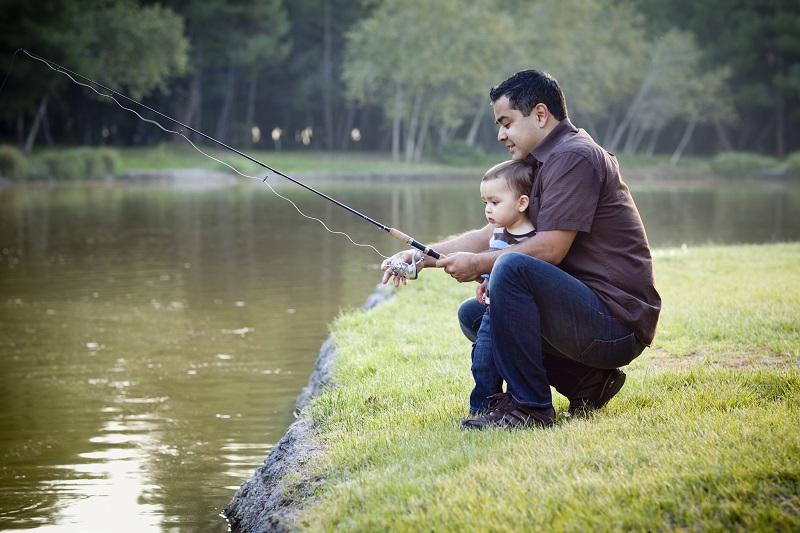 fishing-family-child-fishing-toddler-fishing.jpg