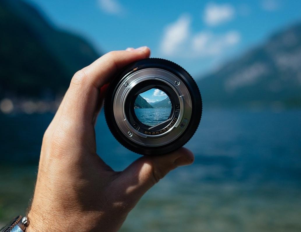 lens-1209823_1280_1.jpg