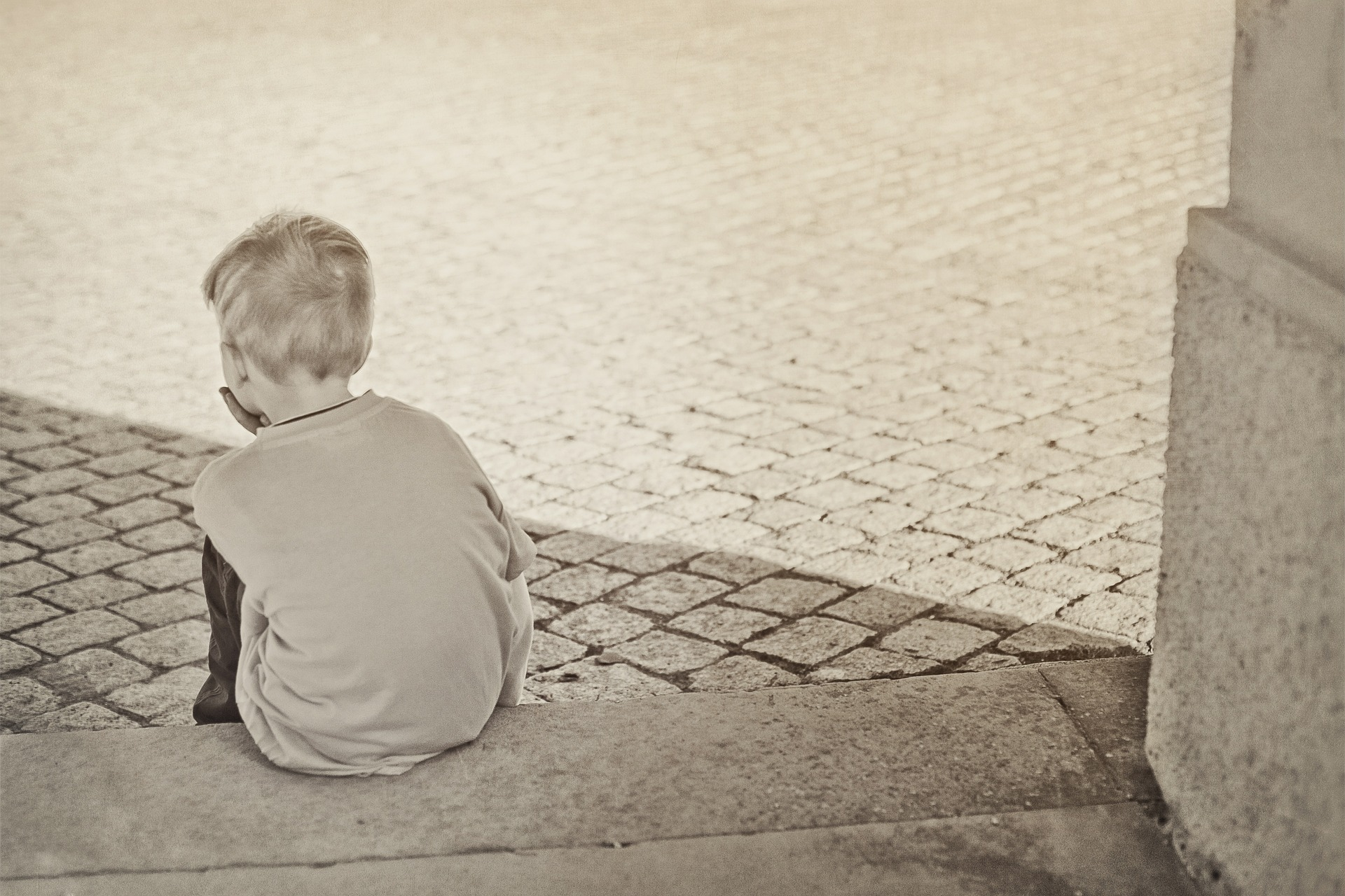 lonely-604086_1920.jpg