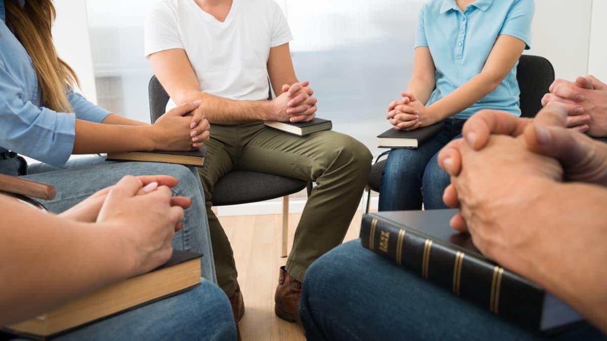 prayer-in-small-group.jpg
