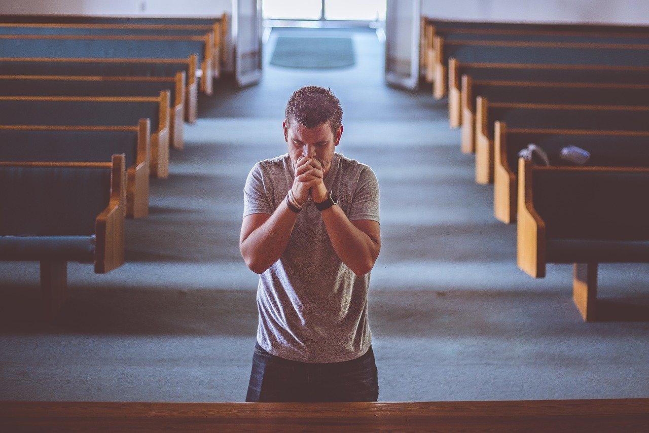 praying-2179326_1280.jpg