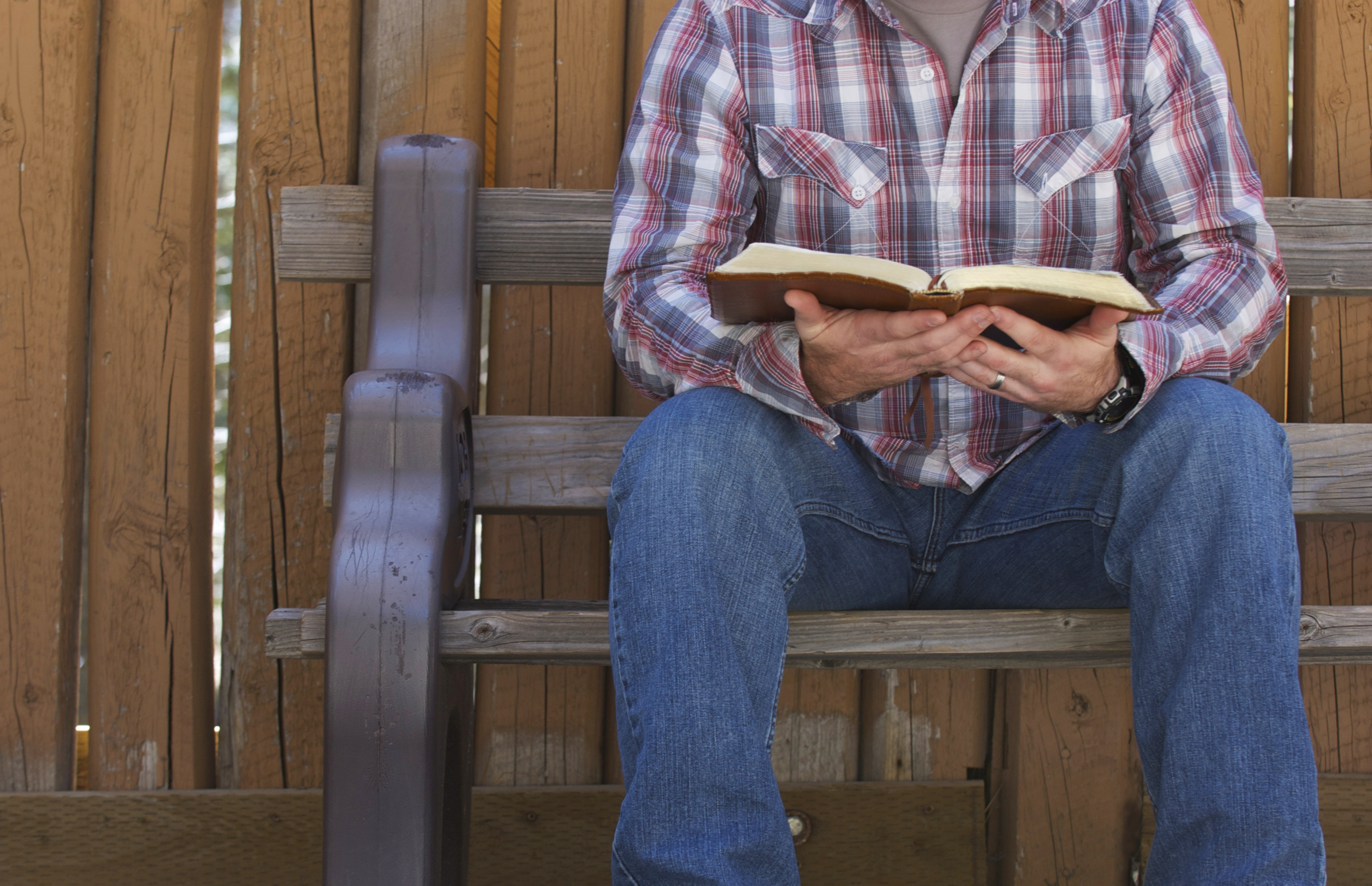 reading-bible.jpg