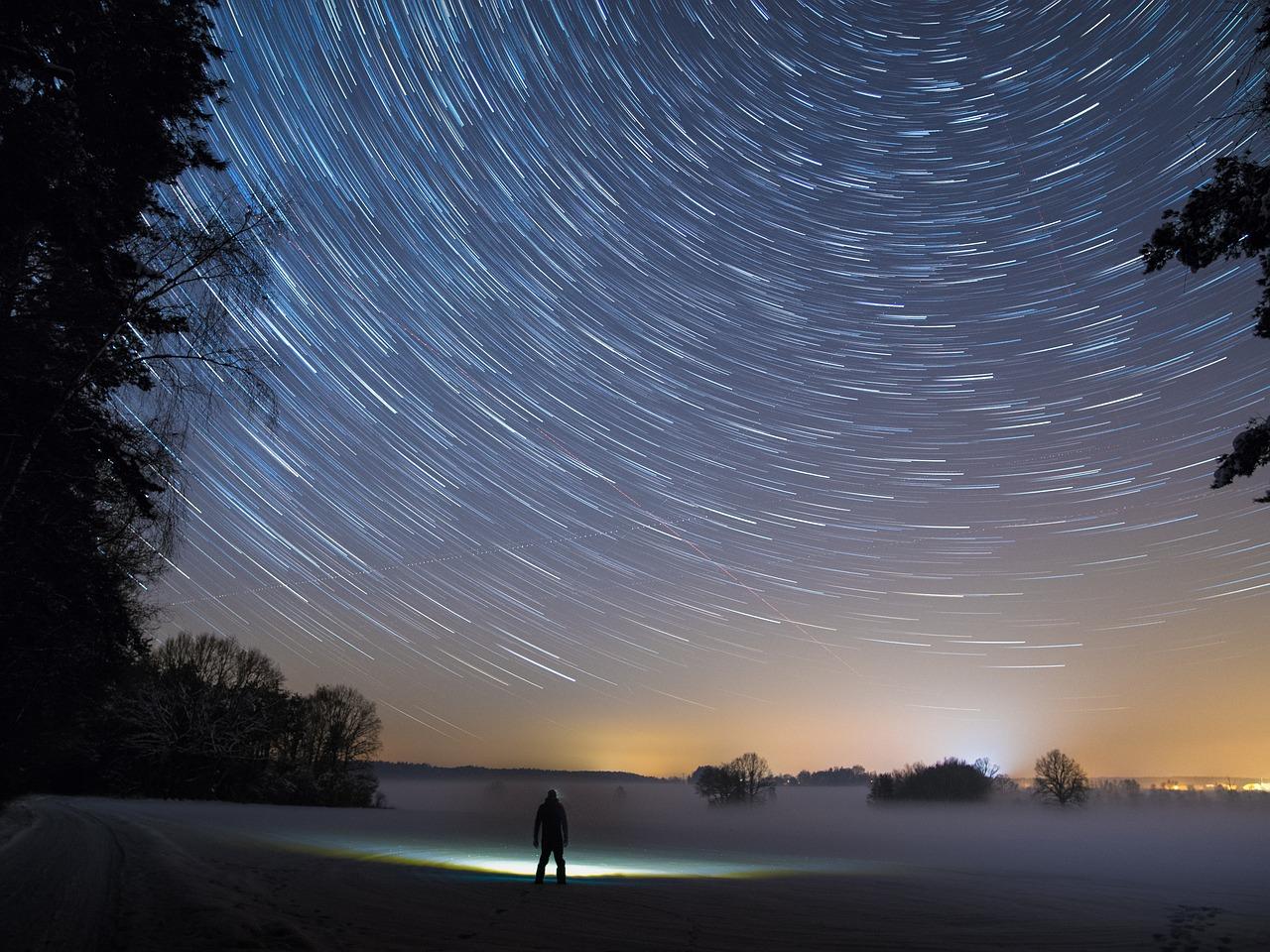 star-trails-2234343_1280.jpg