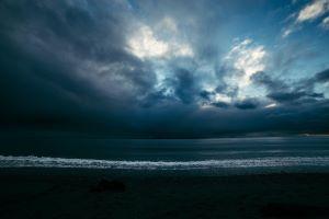 storm_clouds_ocean.jpg