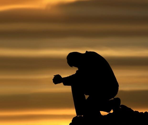 praying-and-kneeling-man2.jpg