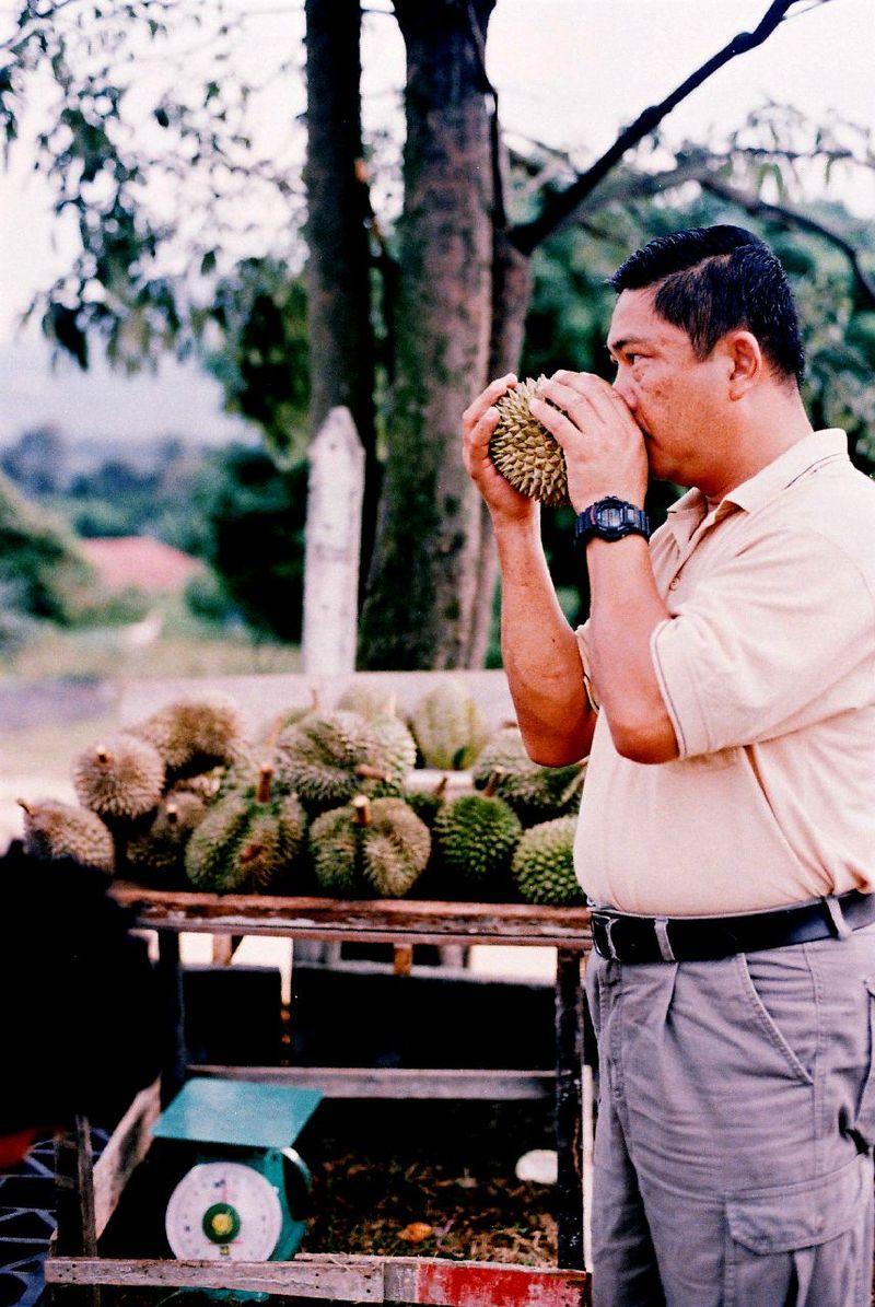 800px-durian_customer.jpg
