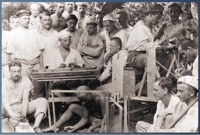 Osztrák-magyar tengerészek egy csoportja