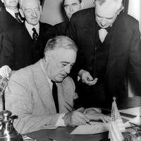 Roosevelt: FYI & LOL 1942-ből