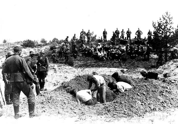 eg_a_iauliai_lithuania_july_1941.JPG
