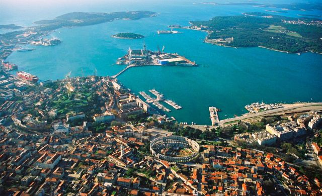 20-cantiere_navale_pola_giorni_nostri_640.jpg