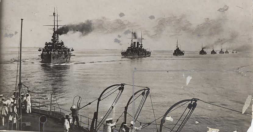 4659-75-dpi-austrian-warships-1915.jpg