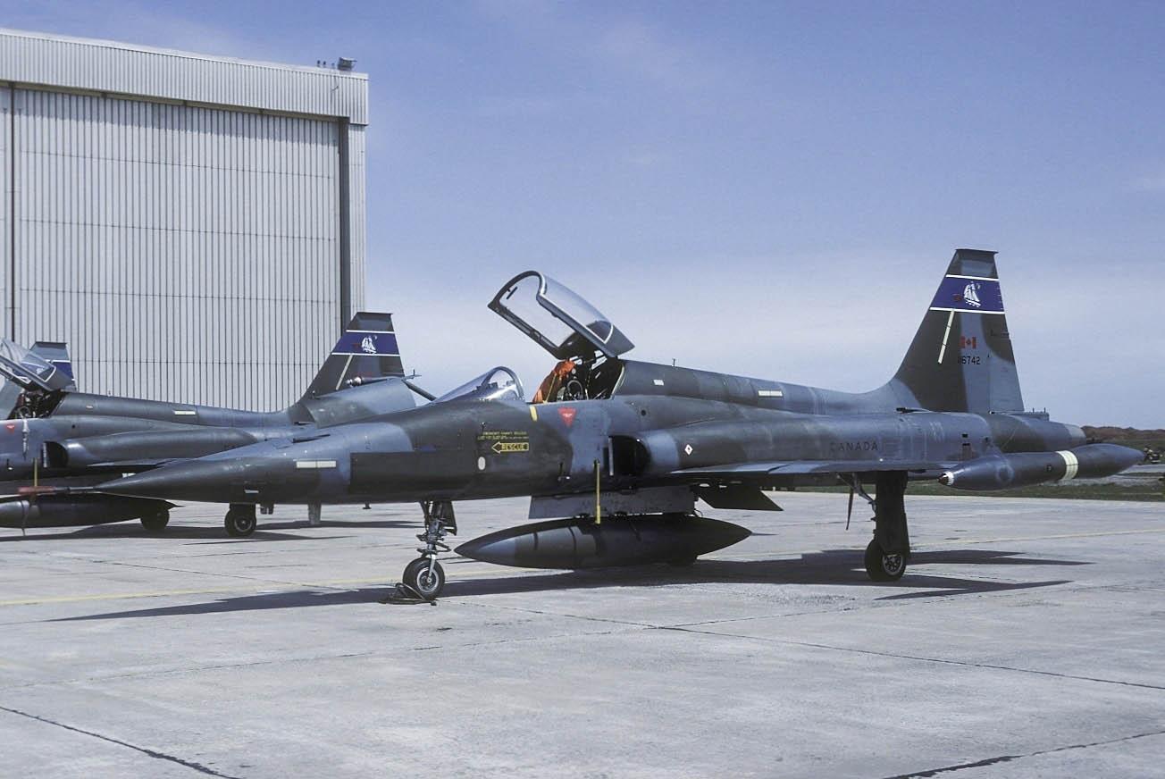 northrop_canadair_cf-116a_cl-219_canada_air_force_an1142468.jpg