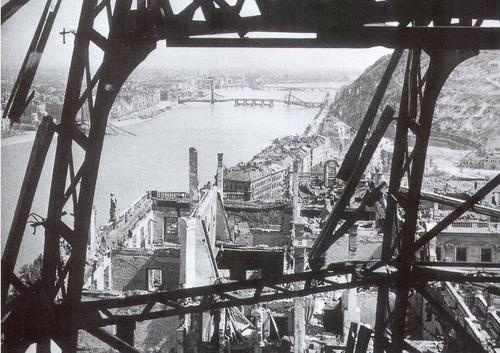 budapest_1945.jpg