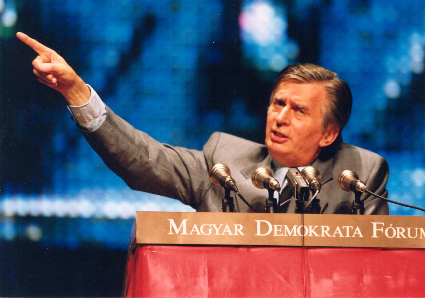 jozsef_antall_jr_speech_1990.jpg