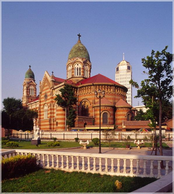 xikai_cathedral_of_tianjin_china_profile.jpg