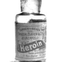 Köhögsz? Nyomj egy kis heroint!