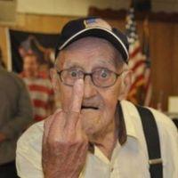 Egy nyugdíjas az államadósság ellen