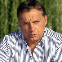 Médiatörvényileg korrekt újévi köszöntő Orbán Viktorhoz