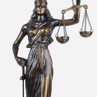 Az igazságszolgáltatást is elnyeli a kormány?