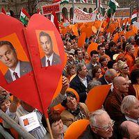 Az utolsó csapás: kormánypárti tüntetés