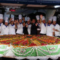 Megsütötték a világ legnagyobb sajttortáját