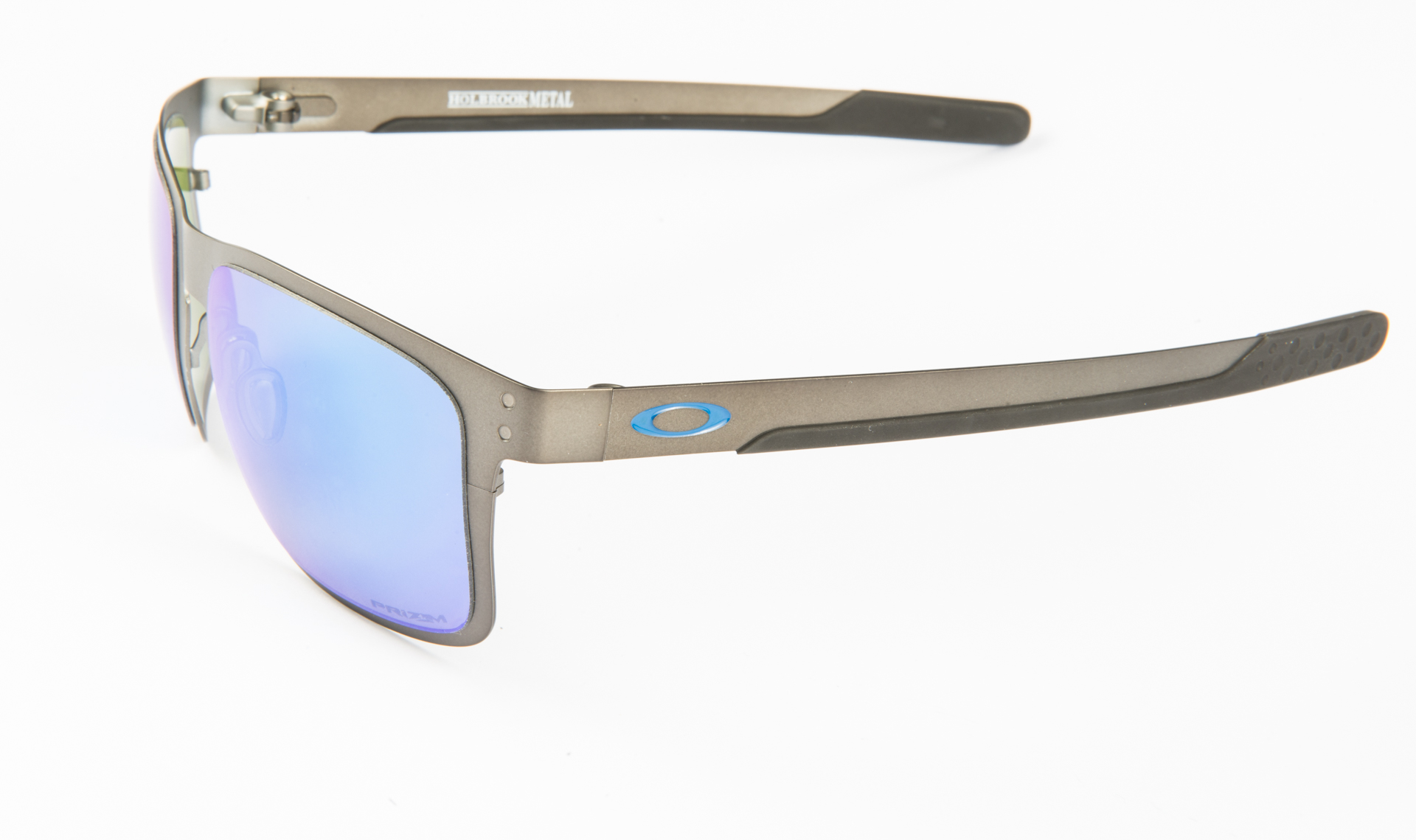 oakley17_18_of_48.jpg